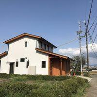 景色に包まれる家のサムネイル