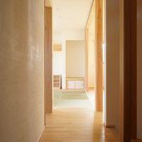 思い出に囲まれる二世帯住宅のサムネイル