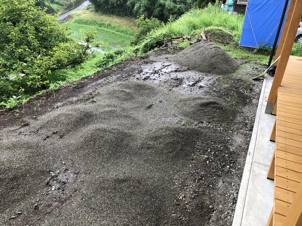 -庭造りことはじめ その3- 砂が来ました
