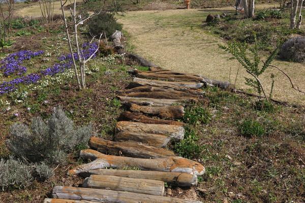 お庭の歩くところの例